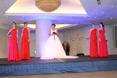 Mi Boda Rocks Experience & Rojo Carmesí Bridesmaid dresses in Crimson Red