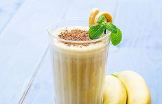 Já pensou preparar um milk-shake que dispensa o sorvete em prol de uma banana congelada?