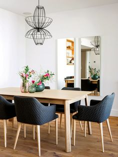Dining room decorating – Home Decor Decorating Ideas Dining Room Wall Decor, Dining Table Chairs, Dining Room Design, Dining Room Furniture, Room Decor, Modern Drinks Cabinet, Minimalist Dining Room, Studio Apartment Decorating, Interior Design