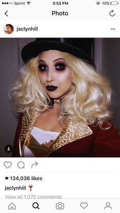 Looking for for ideas for your Halloween make-up? Browse around this site for cute Halloween makeup looks. Freak Show Halloween, Circus Halloween Costumes, Vintage Circus Costume, Vintage Halloween Makeup, Creepy Halloween Makeup, Circus Hair, Circus Makeup, Ross Geller, Scary Circus