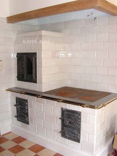 Wood Burning Cook Stove, Wood Stove Cooking, Rustic Kitchen, Country Kitchen, Wooden Fire Surrounds, Kitchen Arrangement, Outdoor Oven, Vintage Appliances, Home Fireplace