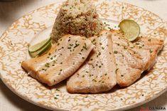 Receita de Salmão grelhado com molho fresco. Descubra como cozinhar Salmão grelhado com molho fresco de maneira prática e deliciosa com a Teleculinária!