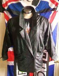 Vintage/retro style crop black 3/4 leather jacket.size 10.X-over, 2butt waist.