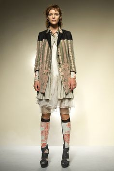 http://www.vogue.com/fashion-shows/spring-2012-ready-to-wear/gary-graham/slideshow/collection