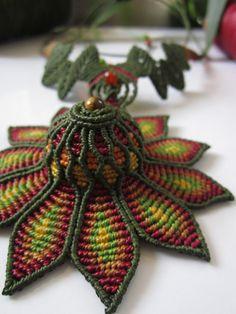 Flor de Macrame creación de collar verde y por PapachoCreations