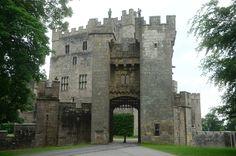 https://flic.kr/p/vtmQ7T   Raby Castle