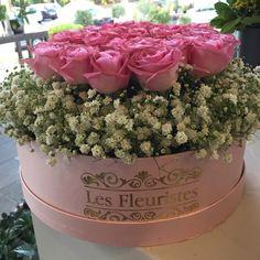 #FlowersInABox #ανθοσύνθεση #ανθοπωλείο #lesfleuristes #διακόσμηση #καπελιέρα #λουλούδια Flower Boxes, Flowers, Plants, Window Boxes, Florals, Planters, Flower, Flower Containers, Blossoms