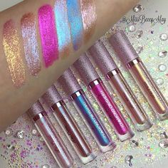 Which #DiamondCrushers are you planning to use in your NYE looks? ✨ Swatches by @missbeccymay