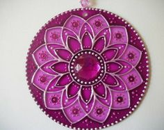Painted mandalas on CD for suncatcher, ornament Mandala Art, Mandala Design, Stained Glass Designs, Stained Glass Patterns, Old Cd Crafts, Arts And Crafts, Dot Painting, Fabric Painting, Mandala Indiana