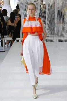 Delpozo Ready-to-Wear Spring 2017 Fashion Details, Look Fashion, High Fashion, Fashion Show, Spring Fashion, Fashion Design, Fashion 2017, Couture Fashion, Runway Fashion
