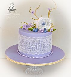lace and pearls - Cake by Sandy - Sweet 'n  Sassy
