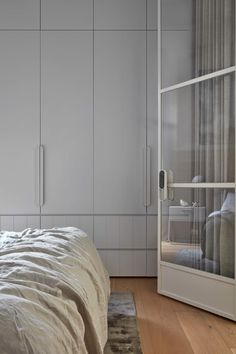 Best Bedroom Storage For Small Rooms – Modern Home Freelance Interior Designer, Bedroom Storage For Small Rooms, Joinery Details, Dark Interiors, Best Interior Design, Interior Paint, Minimalist Bedroom, Decorating On A Budget, Decorating Games