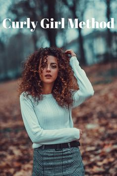 Curly Girl Method - The Whole and Sole Guide - Haircuts & Hairstyles 2020 Curled Hairstyles, Hairstyles Haircuts, Mayonnaise Hair Mask, Portrait Photos, Curly Girl Method, Types Of Curls, Short Curly Hair, Free Hair, Black Plaid