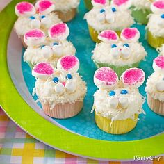 Hop to it with bunny cupcakes! Create your own Peter Rabbit with candies, marshmallows and coconut flakes!