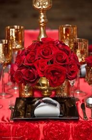 Red & Gold #wedding tablescapes