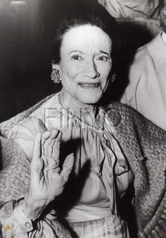 Last picture of the Duchess of Windsor.she had her face and neck lifted so often she could barely swallow. she always remained a sow's ear. Prince Phillip, Prince Edward, Eduardo Viii, Edward Windsor, Reine Victoria, Wallis Simpson, Elisabeth Ii, Royal Queen, English Royalty