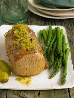 Pepperoncini Pork Roast -- so good, so easy. You'd never know it was made in a slow cooker. Perfect for Phase 2 of the #FastMetabolismDiet