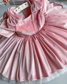 Kids Dress Patterns, Baby Clothes Patterns, Kids Outfits Girls, Girl Outfits, Girls Dresses, Mix Baby Girl, Soft Pink Dress, Baby Dress Design, Queen Dress