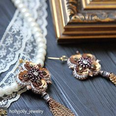 Автор @hollyjolly_jewelry -  И последнее фото! Обещаю😂 Уж очень они мне нравятся😍 #украшенияручнойработы #ручнаявышивка #винтаж #винтажныеукрашения #пайетки #вышивка #авторскиеукрашения #авторскаяброшь #серьги #винтажныесерьги #серьгикисти  #бижутерия #бисер #jewelry #jewellery #jewelrydesigner #luneville #lunevilleembroidery #embroidery #krasnodar #krd #nvrsk #luxury
