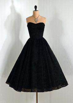 Vintage dress. Classic!