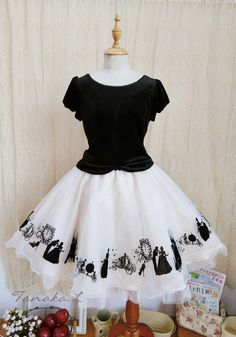 Sweet Velvet Flocking Printed Gauze Skirt Lolita Outfits