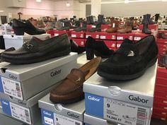 """schuhplus - Schuhe in Übergrößen - ist nicht nur ein in Europa führendes Versandhaus für große Schuhe. Besuchen Sie auch unser 900 qm großen Übergrößen-Palast in 27313 Dörverden bei Bremen und erleben Sie das einzigartige Gefühl, dass schlichtweg alle Schuhe passen. Ob Damenschuhe in Übergrößen von 42 bis 46 oder Herrenschuhe in Übergrößen von 46 bis 54: Das gesamte Sortiment dieser Webseite finden Sie in unserem Store """"live und in Farbe"""". Ob große Pumps, große Ballerinas oder große…"""