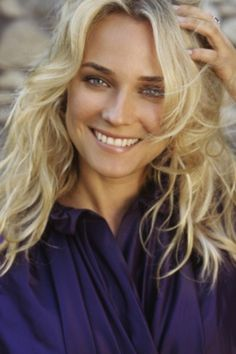long natural wave layers Diane Kruger