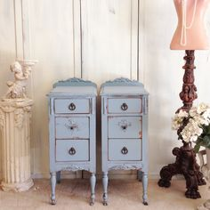 Adding That Perfect Gray Shabby Chic Furniture To Complete Your Interior Look from Shabby Chic Home interiors. Shabby Chic Nightstand, Vintage Nightstand, Shabby Chic Furniture, Vintage Furniture, French Furniture, Nightstand Ideas, Chinese Furniture, Repurposed Furniture, Painted Furniture