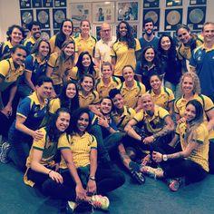 Com letra de Samira e coro das atletas, meninas ganham hino por ouro inédito #globoesporte
