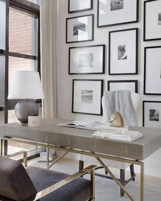 7 Cool Office Designs Based On The Success Feng Shui Principle – Modern Home Office Design Office Interior Design, Office Interiors, Office Designs, Art Interiors, Workspace Design, Feng Shui Interior Design, Interior Livingroom, Modern Interior, Home Office Space
