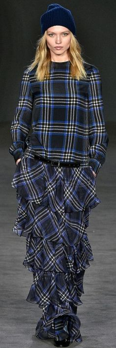 Mode Tartan, Tartan Fashion, Dresses With Sleeves, Long Sleeve, Fashion Design, Sleeve Dresses, Long Dress Patterns, Gowns With Sleeves