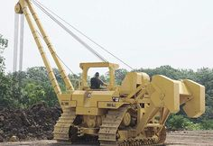 Caterpillar Pipe Layer, hydraulic off set counterweights.