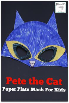 After reading any of the Pete the Cat books, your kids will enjoy making this Pete the Cat paper plate mask.They can be wear it while you read the books. Paper Plate Masks, Paper Plate Art, Paper Plate Crafts, Paper Plates, Art Crafts, Kids Book Character Costumes, Children's Book Characters, Storybook Characters, Pete The Cat Costume