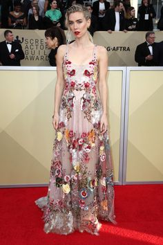 Vanessa Kirby Wore A Valentino Spring 2018 Fl Scoop Neck Gown To The Screen Actors Guild Awards Find This Pin And More On Red Carpet Affair