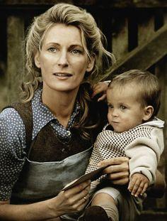 """Maria Furtwängler als Ursula Heye erlebt """"Schicksalsjahre"""" 2011."""