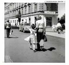 Chmielna: centrum stołecznej mody Old Street, Long Time Ago, Popular, Nostalgia, The Past, City, Vintage, People, Poland