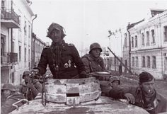 Another shot of tank 731 from 7/Panzer Regiment 3 of 3rd Division Totenkopf, recaptured Kharkov, Spring 1943