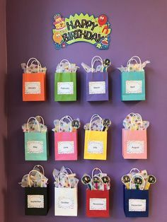 Super birthday board preschool diy ideas 25 awesome birthday board ideas for your classroom Birthday Chart Classroom, Birthday Bulletin Boards, Birthday Wall, Birthday Charts, Classroom Board, Toddler Classroom, Classroom Displays, Kindergarten Classroom, Classroom Themes