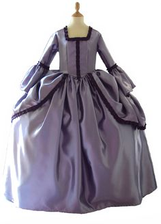 robe-marquise-pompadour-mauve Halloween Cosplay, Cosplay Costumes, Bijou Halloween, Purple Lilac, Fancy Dress, Mauve, Lady, Homecoming Dresses, France