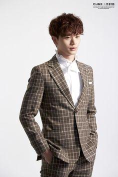 Jacket shooting scene by Naver . Sungjae Btob, Im Hyunsik, Lee Minhyuk, Lee Jong Suk, Korean Actresses, Korean Actors, Cho Chang, Korean Singer, Shinee