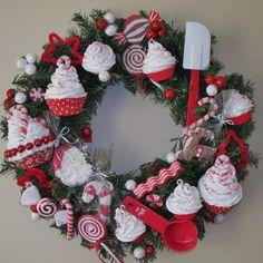Cupcake wreath for Christmas- SO CUTE!!!