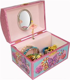 Gunther Mele - Cindy - Butterfly Musical Jewellery Box with Dome Shaped Lid Jewellery Storage, Jewellery Box, Acylic Nails, Musical Jewelry Box, Toy Store, Bridal Jewelry, Toy Chest, Decorative Boxes, Butterfly