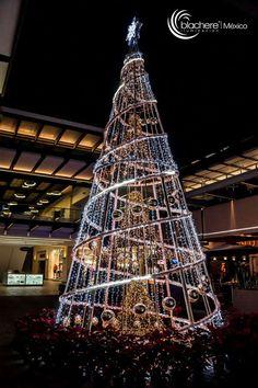 Christmas Tree Topiary, Candy Christmas Decorations, Wooden Christmas Trees, Beautiful Christmas Trees, Outdoor Christmas, Christmas Lights, Christmas Crafts To Sell, Handmade Christmas Tree, Christmas Tree Design