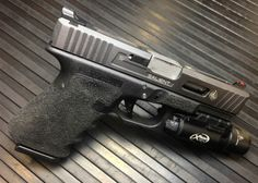 Special Airsoft Pistols from UN Company