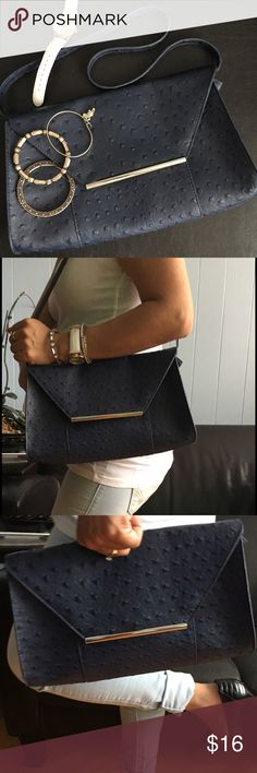 """Merona Shoulder bag Convertible clutch Very cute Shoulder bag that converts into a Clutch . Color Navi blue In Excellent used condition. Measurements: approx:""""12""""(w)x""""7""""(H) Merona Bags Shoulder Bags"""