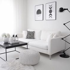 Small Living Rooms, Living Room Modern, Living Room Designs, Black And White Living Room Decor, White Home Decor, Black White Decor, Modern Apartment Decor, Apartment Living, Modern Small Apartment Design