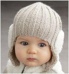 Шапка шлем на малыше