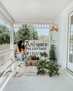 How to Style Your Cozy White Cottage Seasons Freebie - Liz Marie Blog White Cottage, Cozy Cottage, Cottage Style, Kitchen Built Ins, Kitchen Shelves, Rustic Farmhouse, Farmhouse Style, Painted Kitchen Island, Memorial Day Sales