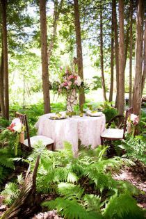 To have a dinner in the woods...how romantic.