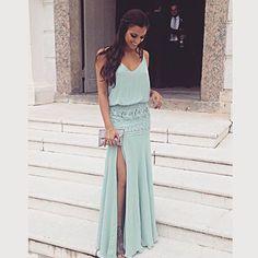 Candy color com saia bordada by @victoriagseger #blogcheers #formatura #vestido…